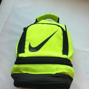 Nike 2 compartment lunch box 📦